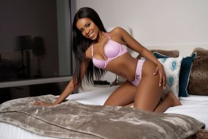 Sokayna independent escort